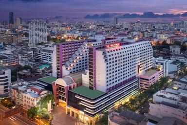The Twin Towers Hotel, pathum wan