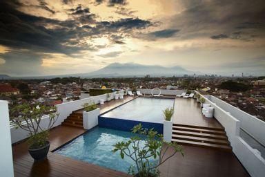 MaxOne Ascent Hotel Malang, malang