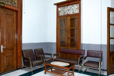 RedDoorz Syariah near Puro Pakualaman Palace, yogyakarta