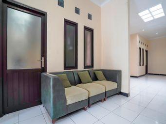 OYO 90346 Guest House Citra Pemuda Syariah, cirebon